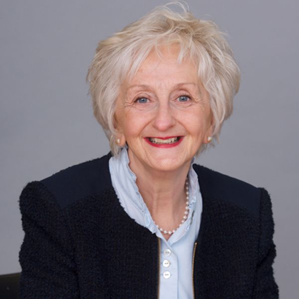 Elizabeth Leah - rhw Solicitors, Guildford
